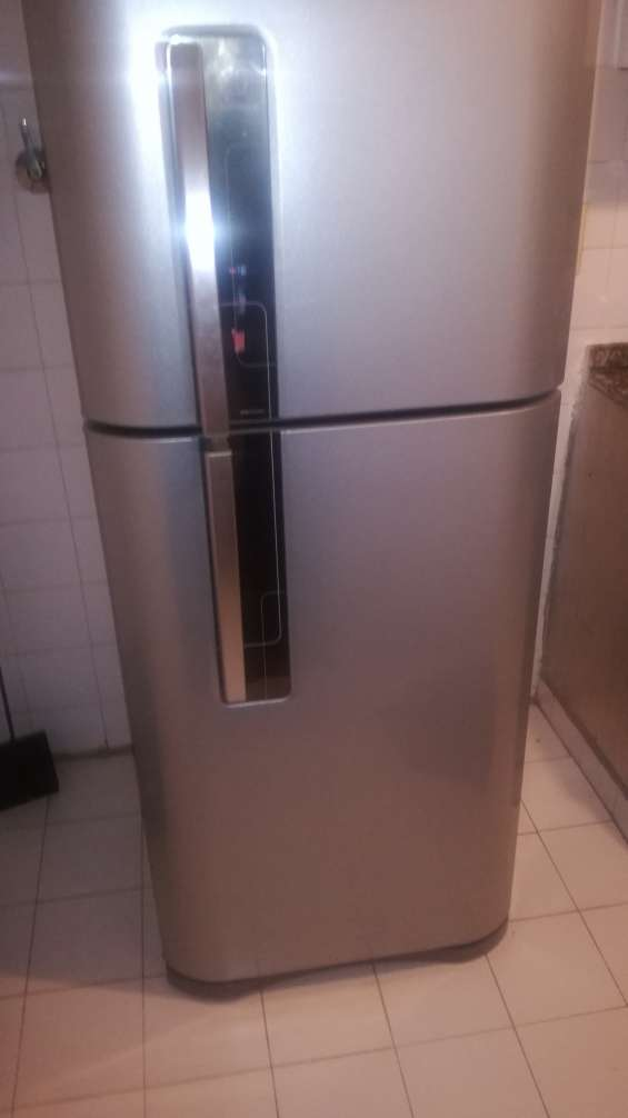 Electrolux plateada no frost dfn3000p